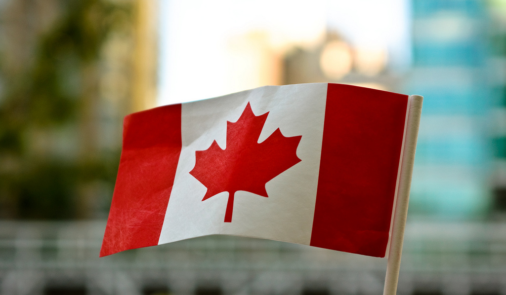 canada_paper_flag_01