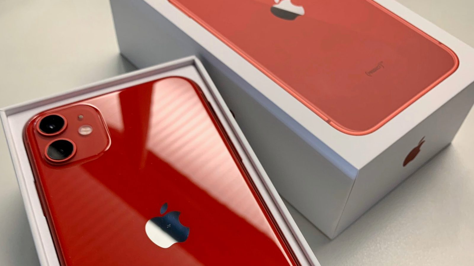 apple_iphone_11_product_red_unbox