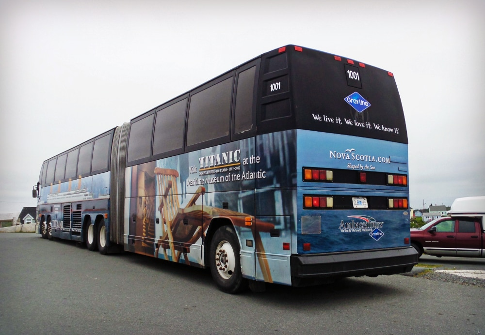 canadian_titanic_bus_02