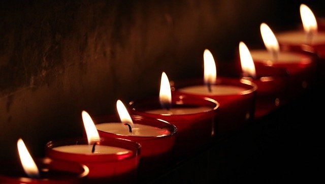grief_mourning_tea_candle_lights
