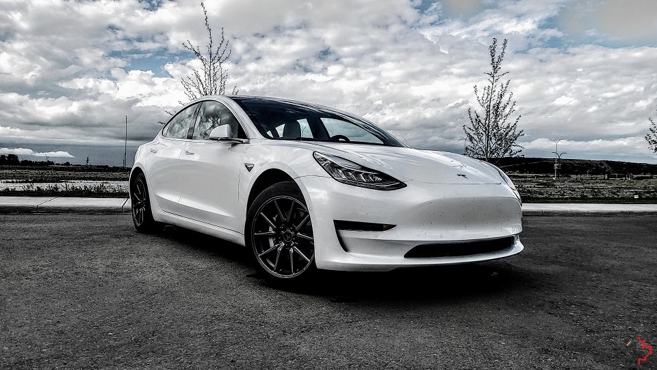 kbxtr04_bc_road_trip_tesla_model3_02