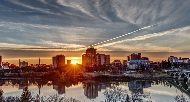 saskatchewan_saskatoon_river_city_sunset_640